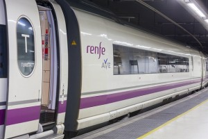 Plazas adicionales para trenes Ave y de Larga Distancia con origen y destino en Valencia