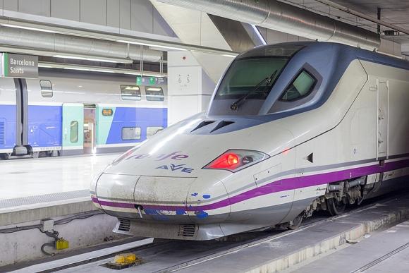 Los trenes Ave y de Larga Distancia siguen aumentando sus pasajeros