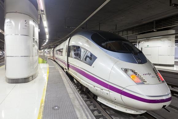 Los trenes Ave han registrado un 7% más de pasajeros hasta julio