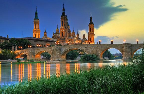 Conoce Zaragoza este verano y disfruta de todo este arte viajando en Ave