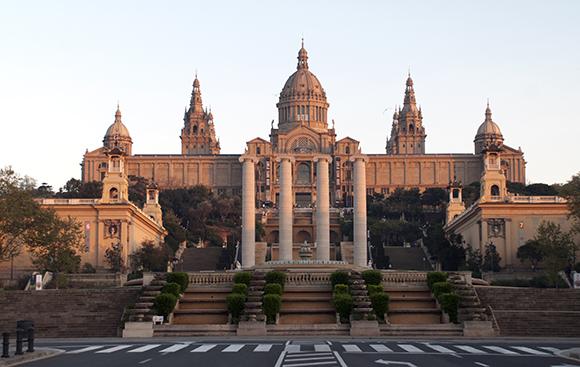 Viaja en Ave a Barcelona durante agosto y disfruta de estos planes con los niños