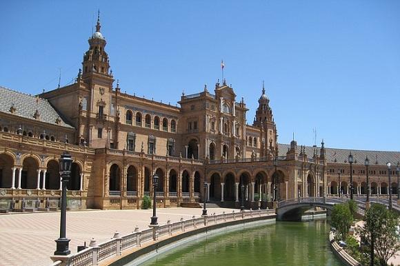 Sube un 79% la facturación de las vacaciones cortas en España
