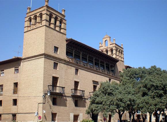 Disfruta en septiembre de una escapada en Ave a la ciudad de Huesca