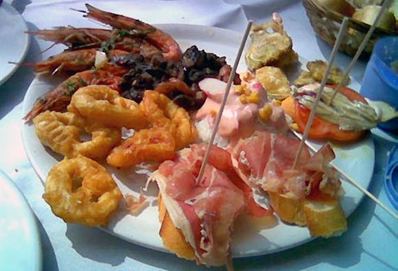 Viaja en Ave a Sevilla y saborea su rica gastronomía