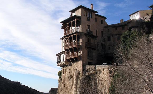 Visita los monumentos más representativos de Cuenca viajando en trenes Ave
