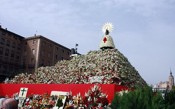 Viaja en Ave a Zaragoza en octubre y disfruta de las Fiestas del Pilar