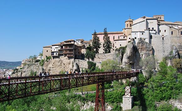 Disfruta de una escapada en AVE a Cuenca este otoño