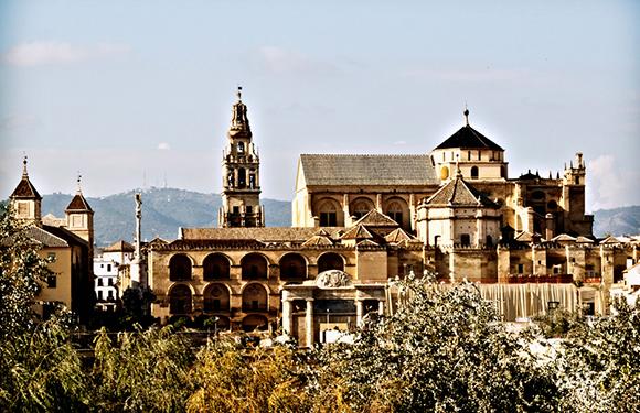 42 conexiones semanales entre Córdoba y León
