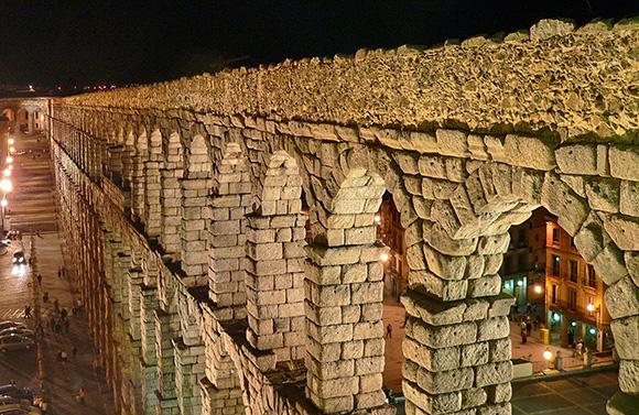 Disfruta de un viaje en AVE a Segovia con los niños