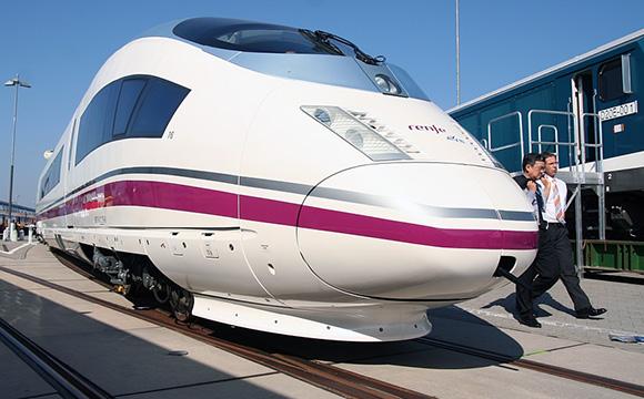 Disfruta del fin de año viajando en trenes AVE