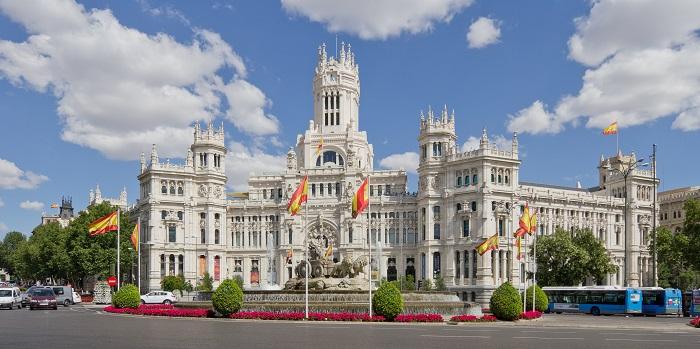 Los mejores destinos urbanos españoles y sus trenes AVE
