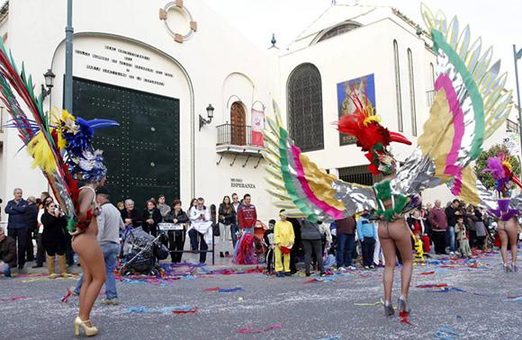 Disfruta del Carnaval de Málaga viajando en trenes AVE