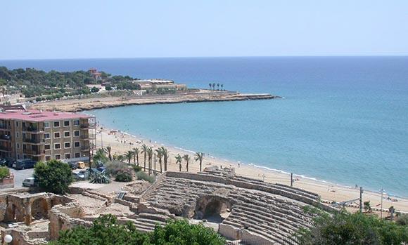 Disfruta haciendo un viaje barato en AVE a Tarragona
