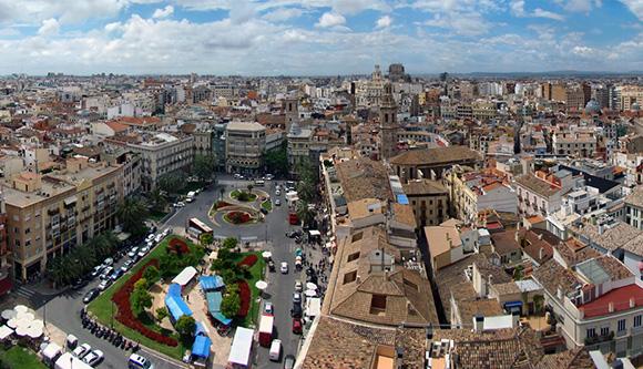 Disfruta de las rebajas viajando en AVE a Valencia
