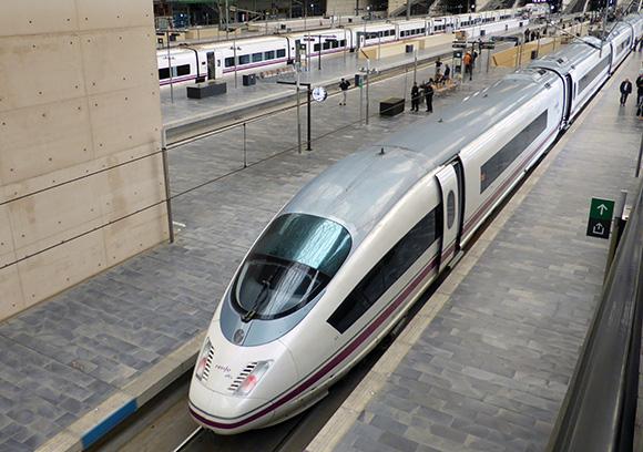 Disfruta de un viaje en AVE a Zaragoza para la cincomarzada