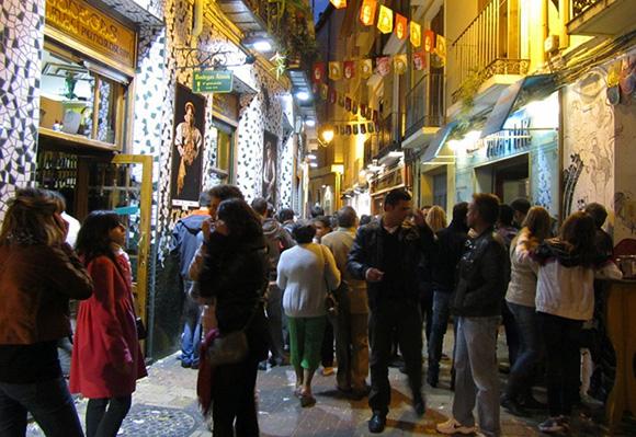 Disfruta del turismo gastronómico viajando en AVE a Zaragoza