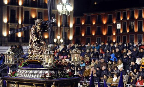 Vive la pasión de la Semana Santa viajando en AVE a Valladolid