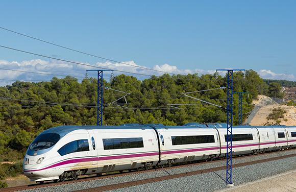 Disfruta de estas exposiciones viajando en trenes AVE a Valencia