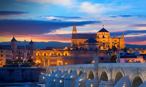 Disfruta de la Semana Santa haciendo un viaje en AVE a Córdoba