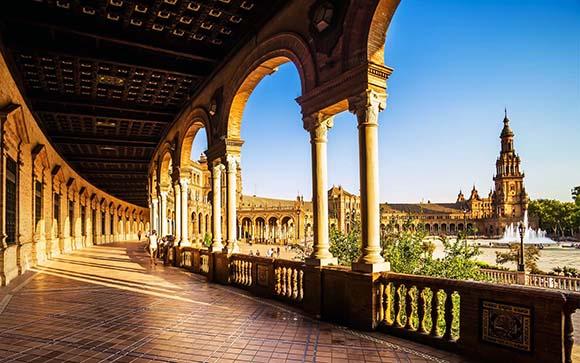 Disfruta este arte viajando en AVE a Sevilla