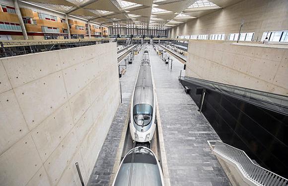 Disfruta de las mejores exposiciones de Madrid viajando en AVE