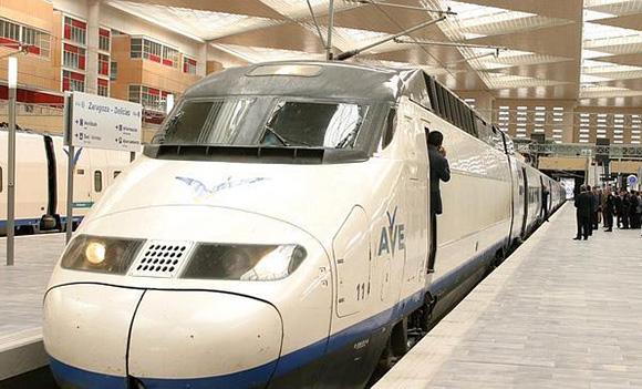 Casi tres millones de pasajeros en trenes AVE