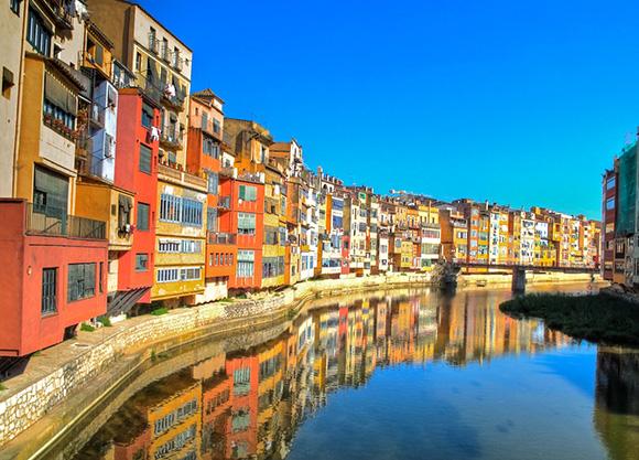 Disfruta de una escapada a Girona viajando en trenes AVE