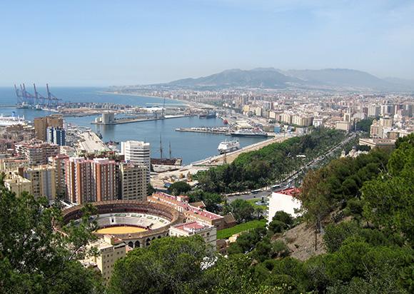 Disfruta de un viaje en primavera a Málaga