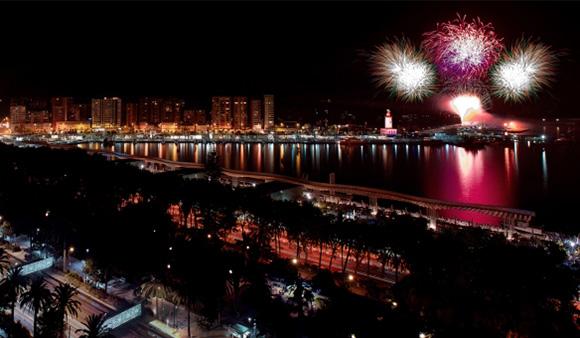 Disfruta de la Feria de Málaga viajando en AVE durante agosto