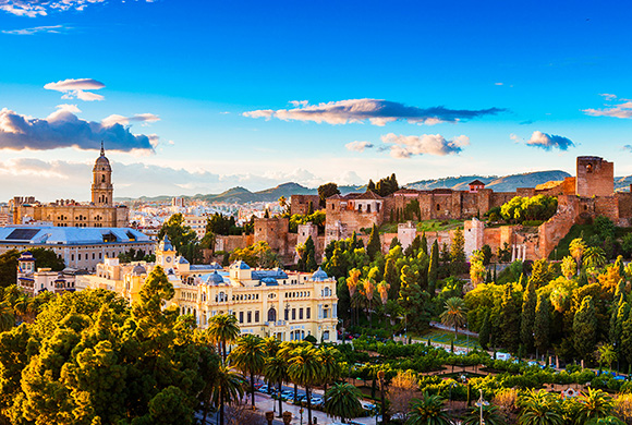 Aprovecha tus últimos días libres para viajar en AVE a Málaga