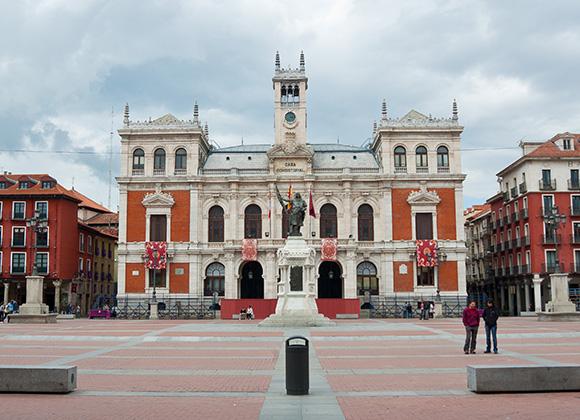 Prepara un viaje barato en AVE a la ciudad de Valladolid