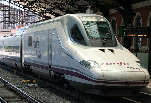 La operadora ferroviaria presenta el WiFi en trenes AVE