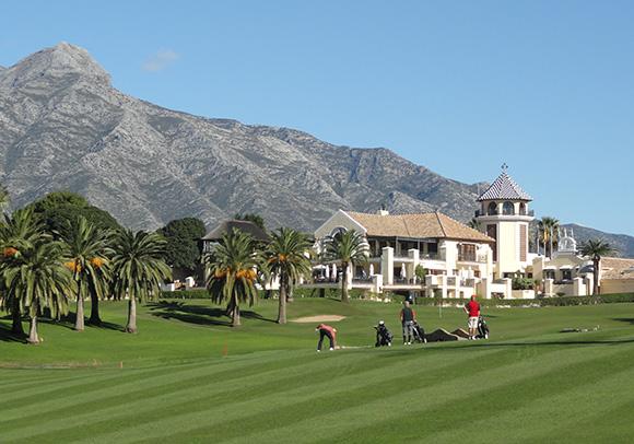 Disfruta viajando en AVE de Andalucía como destino europeo de golf del año