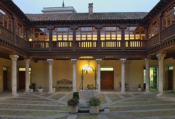 Compra billetes baratos de AVE para conocer la ciudad de Valladolid este 2017