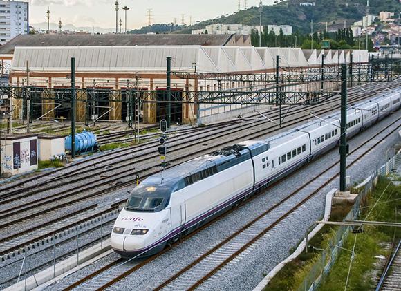 El AVE entre Madrid y Valencia llega a los 2'3 millones de usuarios