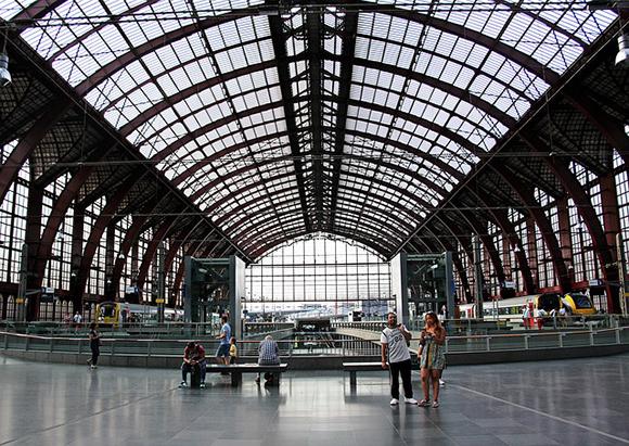 Más plazas para viajar esta Semana Santa 2017 en trenes AVE