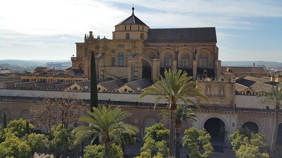 Conoce algunos de los lugares más bonitos de la ciudad de Córdoba haciendo un viaje este mes de mayo 2017 con trenes AVE