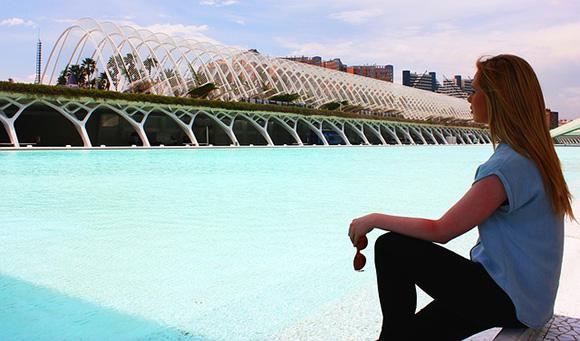 Viaja en trenes AVE a Valencia y descubre las nuevas esculturas del lago artificial de la Ciudad de las Artes y las Ciencias