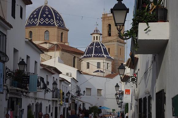Viaja este verano 2017 con trenes AVE a Alicante y visita Altea, uno de los pueblos más bonitos de la Marina Baja