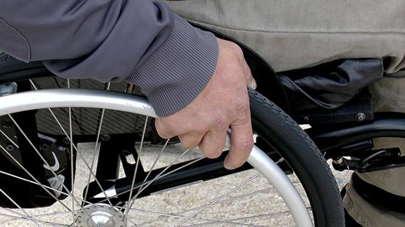 El servicio Atendo supera las 4,2 millones de asistencias a personas con discapacidad o movilidad reducida en su décimo aniversario