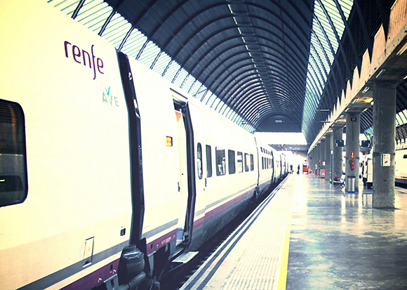 Durante los primeros seis meses del año 2017 los trenes AVE y Larga Distancia han transportado 16,2 millones de viajeros