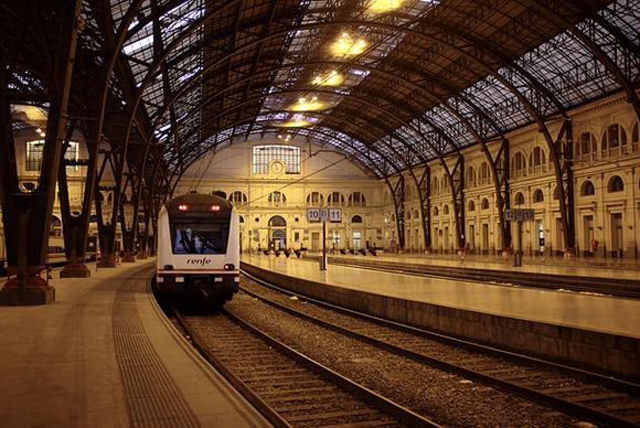 Viaja con trenes AVE a Barcelona y aprovecha los últimos días de vacaciones 2017 al máximo