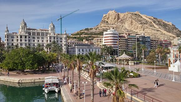 Trenes AVE baratos para viajar a Alicante un fin de semana de septiembre 2017
