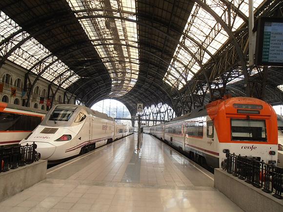 Aumentan los usuarios de los trenes AVE Madrid Barcelona en octubre 2017