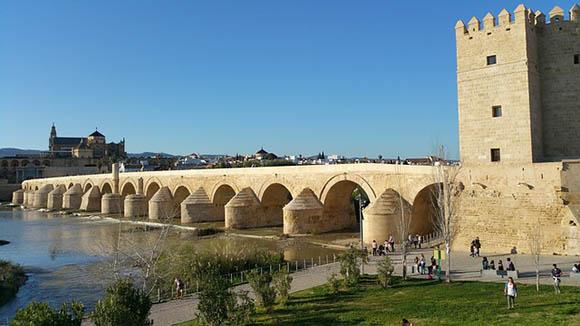 En noviembre 2017 trenes AVE baratos a Córdoba