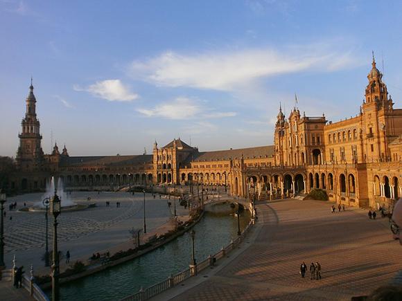 Billetes baratos de trenes AVE para viajar a Sevilla esta Navidad 2017