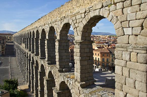 Billetes de trenes AVE baratos a Segovia para viajar en junio 2018