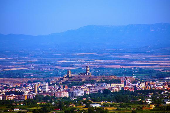 Viaja a Lleida en trenes AVE baratos este mes de julio 2018