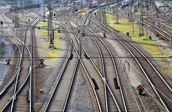 Dos nuevos trenes AVE Madrid-Segovia-Valladolid en 2018
