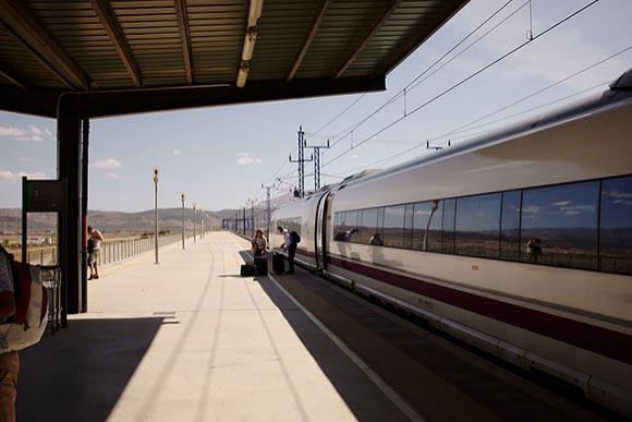 Más usuarios en la estación AVE de Tarragona en 2018